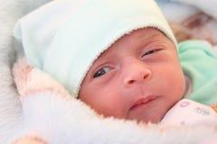 Regard nouveau-né de fille Photographie stock