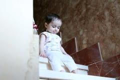 Regard nouveau-né de fille Images libres de droits
