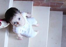 Regard nouveau-né de fille Photo libre de droits