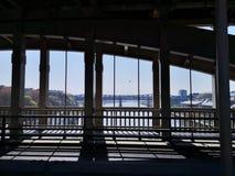 Regard par les ponts de Newcastle sur Tyne photos libres de droits