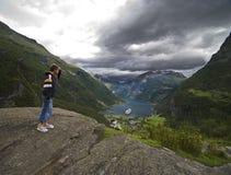 Regarder Geirangerfjord Photos libres de droits