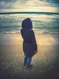 Regarder la mer Photographie stock libre de droits