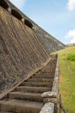 Regarder le barrage principal dans la vallée d'élan du Pays de Galles Photos stock