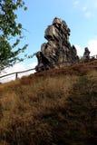 Regardez au mur Teufelsmauer de ` de diables près de Weddersleben Photos libres de droits