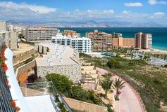 Regardez du balcon d'hôtels au littoral d'Alicante Images stock