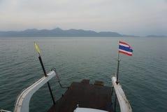 Regardez en arrière sur le bateau Photo libre de droits
