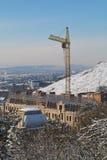 Regardez la construction en construction de la pente du bâti Mashuk Photo stock