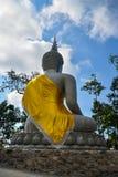 Regardez la statue en arrière de Bouddha Images libres de droits