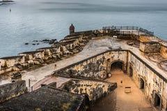 Regardez le regard vers le bas du coin de Castillo San Felipe del Morro Image stock