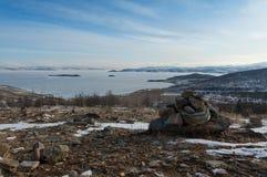 Regardez sur Maloe plus de détroit, le lac Baïkal Photographie stock libre de droits