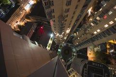Regardez vers le bas du gratte-ciel Photos stock