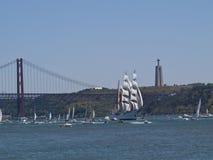 Regata alto della nave nel fiume di Tagus Fotografia Stock Libera da Diritti