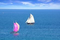 Regata da navigação na baía de Cancale. Fotos de Stock Royalty Free