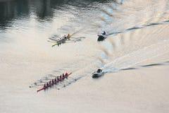 Regatta del Rowing en la salida del sol Fotos de archivo
