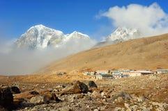 Regeling van Lobuche, Oost-Nepal, Himalayagebergte royalty-vrije stock fotografie