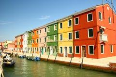 Regelmäßiges buntes Haus auf Burano, Venedig Stockfoto