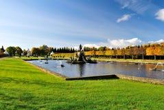 Regelmatig Hoger Park van Peterhof, S.Petersburg stock fotografie