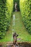 Regelmatig park (Les Jardins d'Annevoie) stock foto's
