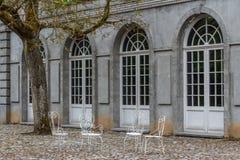 Regelmatig park (Les Jardins d'Annevoie) stock afbeelding