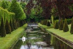 Regelmatig park (Les Jardins d'Annevoie) royalty-vrije stock foto