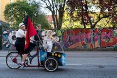 Regelmatige Christiania-familie die aan Globaal Marihuanamoeras deelnemen in Kopenhagen Royalty-vrije Stock Foto's