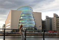 Regelmitt, hamnkvarterområde, Dublin, Irland. royaltyfria foton