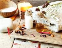 Regelung der ätherischen Öle des Badekurort-Setting.Aromatherapy Lizenzfreie Stockbilder