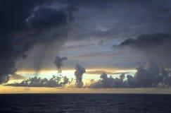 Regen über dem Atlantik. Lizenzfreie Stockfotos