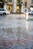Regen in de stad royalty-vrije stock afbeelding