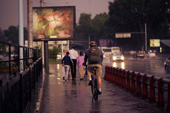 Regen in der Stadt lizenzfreies stockbild