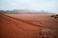 Regen in der Wüste Wadi Musa in Jordanien Lizenzfreie Stockfotografie