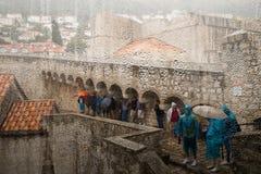 Regen in Dubrovnik lizenzfreie stockbilder