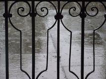 Regen en omheining Royalty-vrije Stock Foto's