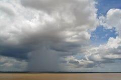 Regen im Amazonas Stockfoto