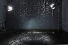 Regen im Studio, Beleuchtungsanlage Stockfotografie