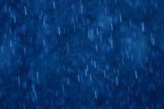 Regen op blauw Stock Afbeelding