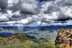 Regen op de blauwe bergen Royalty-vrije Stock Fotografie