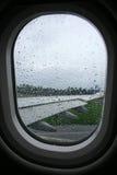 Regen op vliegtuigvenster Royalty-vrije Stock Foto's