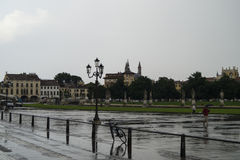 Regen in Padua lizenzfreie stockfotos