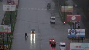 Regen, Schneeregen, Dunkelheit, Glanzlaternen, Schatten, Formen stock video footage