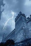 Regen und Schloss Stockfotos