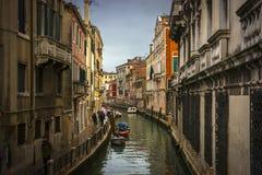 Regen in Venedig lizenzfreie stockfotografie