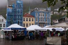Regenachtig Bergen Market Stock Fotografie