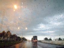 Regenachtig op de weg Royalty-vrije Stock Foto's