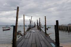 Regenachtig seizoen bij het strand Stock Foto's