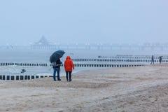 Regenachtig strand dichtbij Heringsdorf, Duitsland Royalty-vrije Stock Fotografie