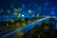 Regenachtige avond bij de A4 weg Royalty-vrije Stock Foto's