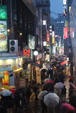 Regenachtige avond in Myeongdong (Seoel, Zuid-Korea) Stock Fotografie