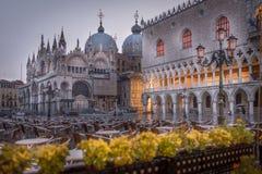 Regenachtige vroege ochtend in Venetië royalty-vrije stock afbeelding