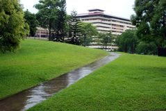 regenachtige weg - landschap Royalty-vrije Stock Afbeeldingen